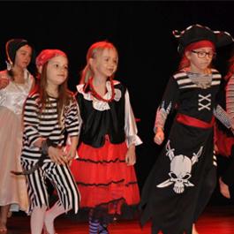 """Dziecięcy Teatr Ruchu ,,Stonoga"""""""