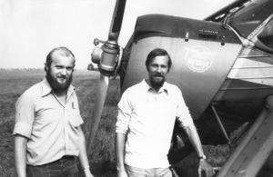 img2631 załoga zakładowej Wilgi- pilot Jacek Rygielski i jego aeroklubowy kolege z Torunia- nawigator Andrzej Klimek, Gło~1