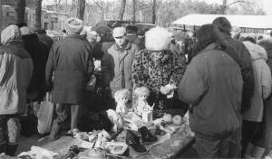 img135 Świdnik Targowisko, w tle stara hala. Marian Wesołowski- szef prod.s WSK FOTo. Tadeusz Brożek