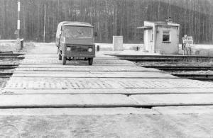 img1861 Po długich staniach okolicznych rolników obok nadleśnictwa otworzono przejazd kolejowy, fot.Wawrzyszko