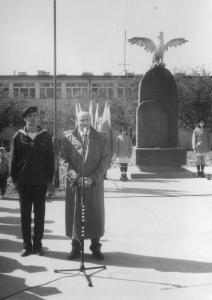 img398 Michalski Krzysztof - burmistrz miasta, w płaszczu, fot. Brożek