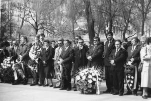 img599 3maja- od prawej 1.Elżbieta Wilhelm, 2.Gmur Włodzimierz, 3.Piotr Karwowski,  5.Mieczysław Majewski- dyr. nacz. WSK~1