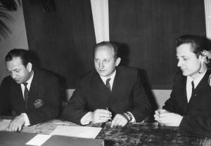 img052 Tomaszkiewicz Kazimierz (dyr. ZST) z prawej Adolf Borowik