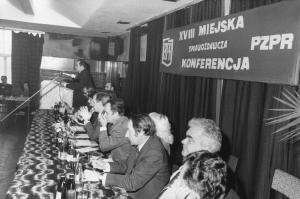 img2693 St.Kucharuk-ostatni, przy mównicy 6 z prawej Henryk Bernat, Fot.Wawrzyszko