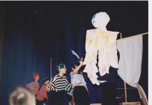2002, Przygoda Piratów